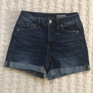 Aeropostale high-waisted midi shorts